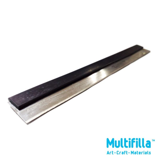 multifilla-flexible-razor-with-safety-cover-side2